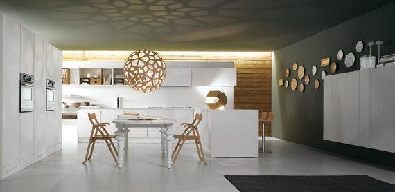 Cucina moderna bianca lucida